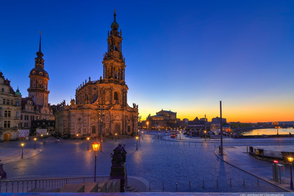 BLUE-HOUR-HOFKIRCHE-SEMPEROPER