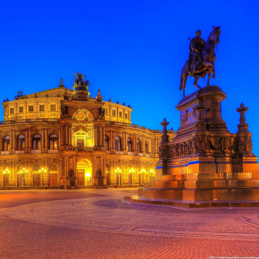 Blue-Hour-Semper-Oper